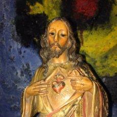 Arte: ANTIGUO SAGRADO CORAZÓN DE JESÚS TALLA DE MADERA POLICROMADA. Lote 127058159