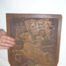 Arte: ANTIGUA ESCULTURA TABLA DE MADERA TALLADA RELIGIOSA DE SANTIAGO MATAMOROS, ORIGINAL.. Lote 128390899