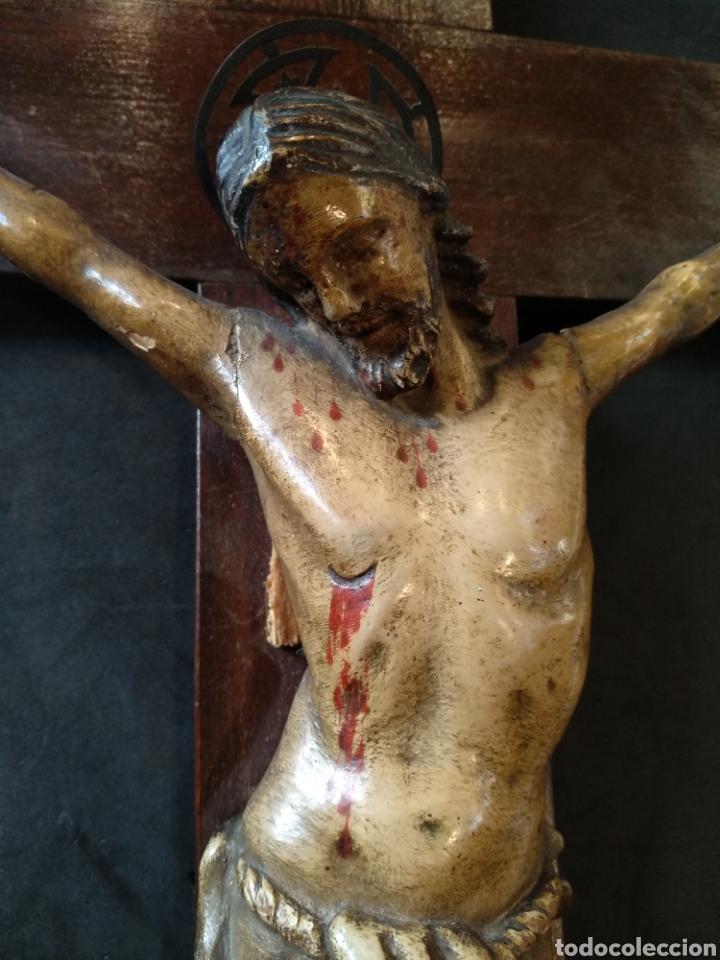 BONITO CRISTO TALLADO DE MADERA POLICROMADO (Arte - Arte Religioso - Escultura)