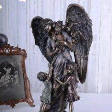 Arte: BELLISIMA ESCULTURA FIGURA ANGEL DE LA GUARDA ART NOVEAU EN RESINA VERONESE Y PATINA BRONCE.. Lote 129338940
