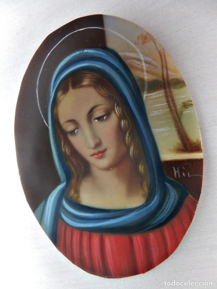 Arte: Escuela francesa s XIX miniatura pintada sobre celuloide Virgen Maria en marco de bronce - Foto 2 - 147378902