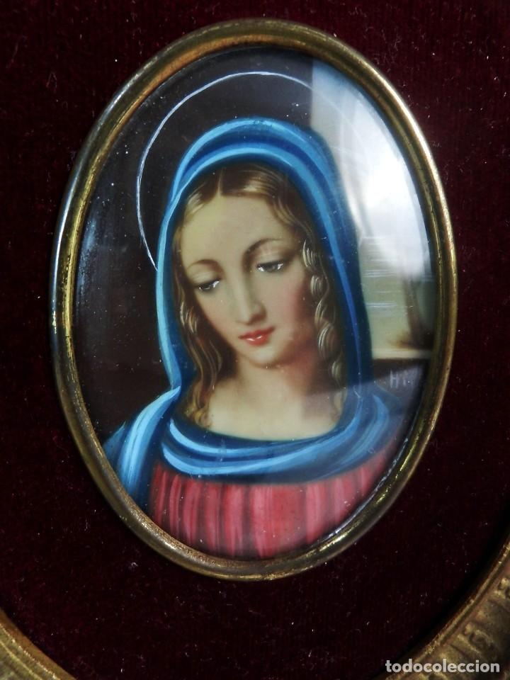 Arte: Escuela francesa s XIX miniatura pintada sobre celuloide Virgen Maria en marco de bronce - Foto 3 - 147378902