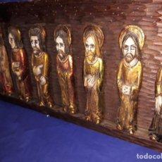Arte: ANTIGUO RETABLO CON LOS APOSTOLES .HECHOS EN TERRACOTA CON PAN DE ORO,ESTILO ROMANICO. Lote 130280214