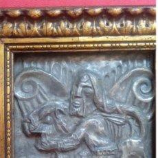Arte: BAJO RELIEVE S. XVII REALIZADO EN UNA PLACA DE ESTAÑO -SANSÓN LUCHANDO CON EL LEÓN-. 23.5X20.5 CMS. Lote 130367918