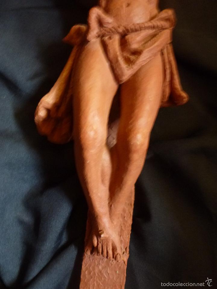 Arte: Cruz, Crucifijo realizado en terracota. Pieza de autor. Ramon Camps Alier - Foto 6 - 130733509