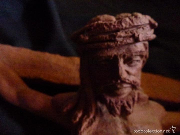 Arte: Cruz, Crucifijo realizado en terracota. Pieza de autor. Ramon Camps Alier - Foto 9 - 130733509