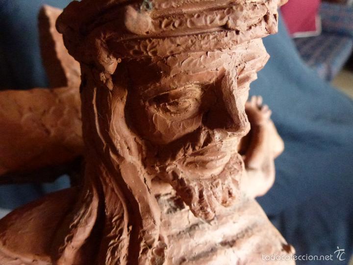 Arte: Cruz, Crucifijo realizado en terracota. Pieza de autor. Ramon Camps Alier - Foto 12 - 130733509