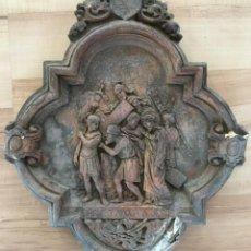 Arte: V PASO DE VIA CRUCIS DE SEMANA SANTA, EN ESTUCO, DE LOS TALLERES DE OLOT. CIRINEO AYUDA A JESUS. Lote 131156124