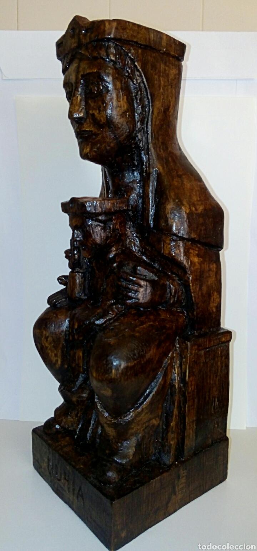 VIRGEN MONTSERRAT. TALLA EN MADERA NOBLE. FIRMADA POR EL AUTOR. CON LEYENDA. CIRCA DE 1900 O ANTER (Arte - Arte Religioso - Escultura)