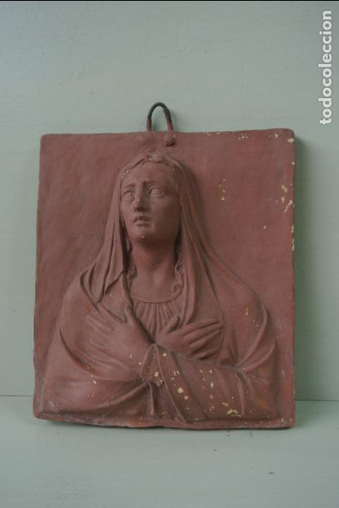 Arte: Antiguo plafon bajorrelieve Modernista en terracota. Virgen - Foto 2 - 132628306