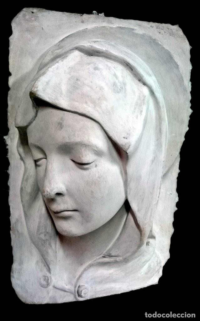 ESPECTACULAR ESCULTURA DE ESCAYOLA DE LA VIRGEN MARÍA. ESCULTOR NAVARRETE, FIRMADA. 38X26X14CM (Arte - Arte Religioso - Escultura)