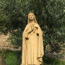 Arte: ENCANTADORA IMAGEN DE SANTA TERESITA DE JESUS EN ESTUCO. TALLERES DE OLOT. MAS DE MEDIO METRO. Lote 142380385
