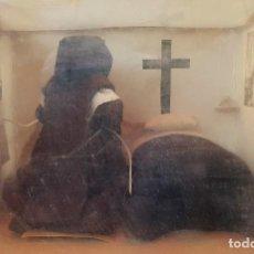 Arte: ANTIGUA, RARA Y ORIGINAL DIORAMA CELDA DE MONJA EN CONVENTO CLAUSURA. Lote 135243354