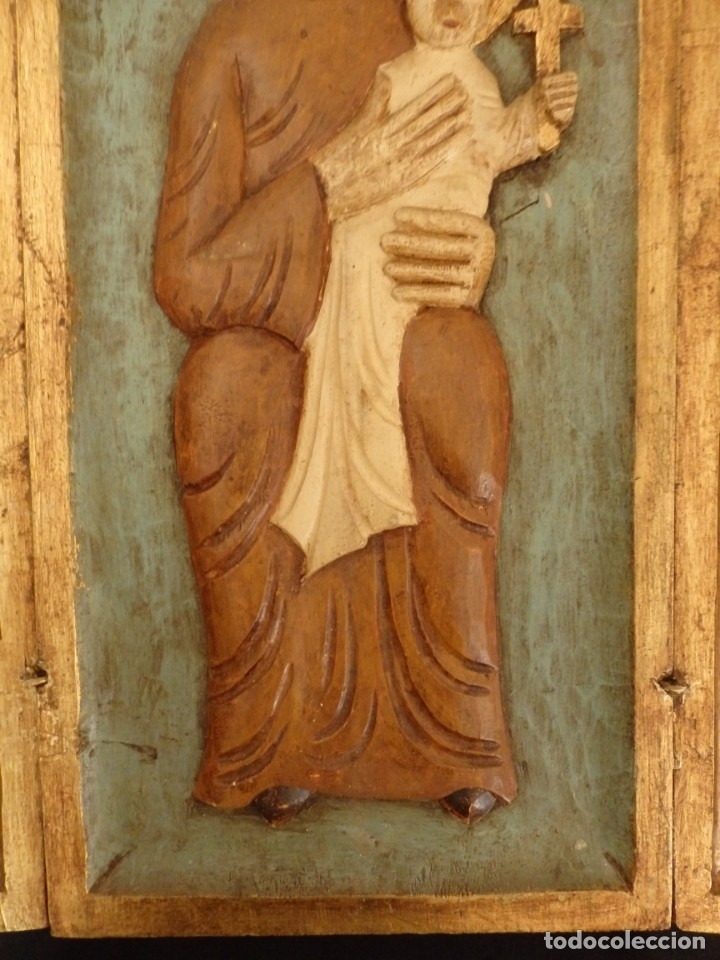 Arte: Antiguo tríptico en madera tallada, policromada y dorada. 50 x 44 cm. - Foto 4 - 136314282