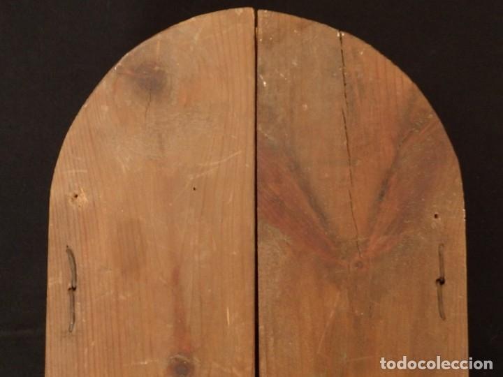Arte: Antiguo tríptico en madera tallada, policromada y dorada. 50 x 44 cm. - Foto 15 - 136314282