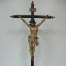 Arte: ANTIGUO JESUCRISTO - CRISTO A LA CRUZ - TALLA DE MADERA, POLICROMADO - 90 CM ALTURA - S. XIX. Lote 136332454