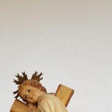 Arte: BONITA FIGURA DE NIÑO JESUS - OJOS DE CRISTAL - TALLER R. PAIRO - OLOT -. Lote 136842318