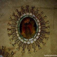 Arte: OLEO SOBRE LIENZO SAN JOSE Y NIÑO JESUS MEDALLON MADERA ESPEJERIA. Lote 137470238