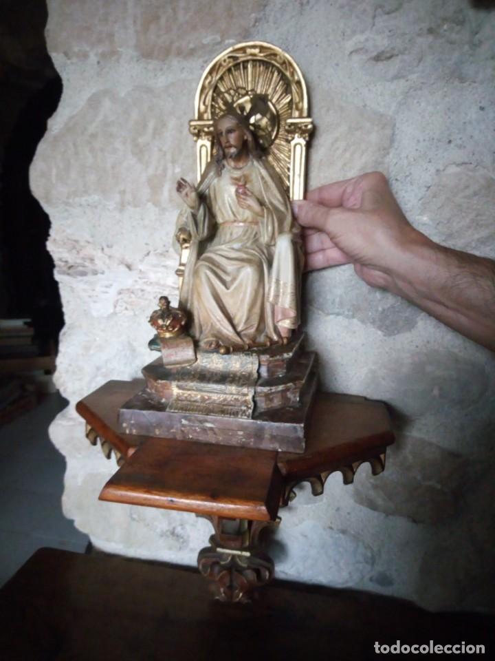 Arte: Antiguo Sagrado Corazón Entronizado en estuco policromado. - Foto 4 - 137504278