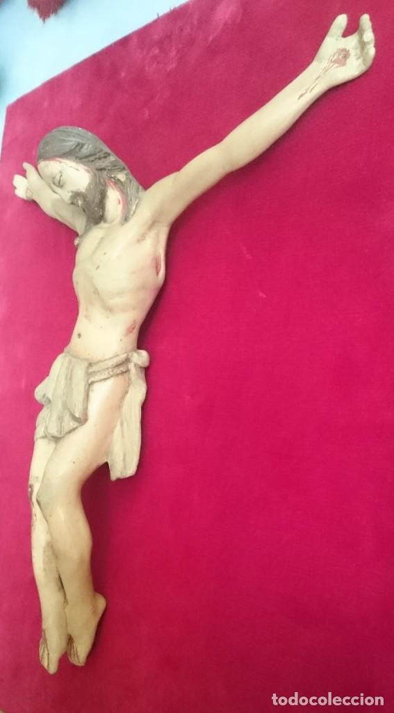 Arte: Crucifijo de talla de madera policromada s.XIX 40 x 35 cm. - Foto 4 - 138743446