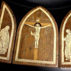 Arte: TRIPTICO DE MADERA CON LAMINAS DE MARFIL DE LA CRUCIFIXIÓN DE JESUCRISTO CON VIRGEN MARIA Y JOSE.. Lote 138760454