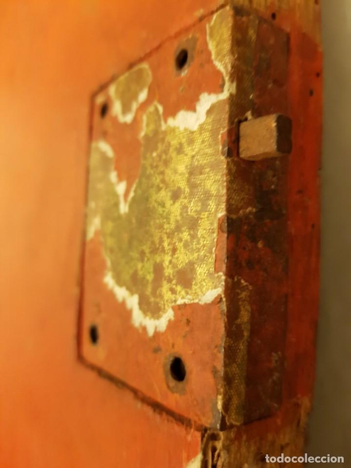 Arte: Óleo sobre tabla de roble. Puerta de sagrario. Resurrección de Cristo. Escuela española. S. XVI-XVII - Foto 8 - 119485299