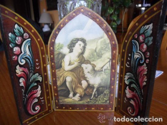 TRÍPTICO DE MADERA PINTADO A MANO Y ESTAMPA DE SAN JUAN BAUTISTA ANTIGUO (Arte - Arte Religioso - Trípticos)