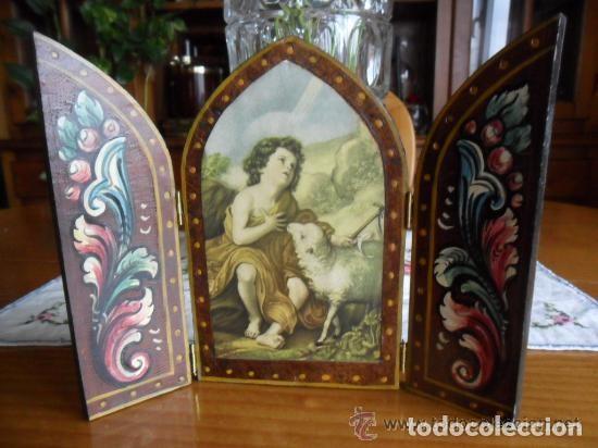 Arte: TRÍPTICO DE MADERA PINTADO A MANO Y ESTAMPA DE SAN JUAN BAUTISTA ANTIGUO - Foto 2 - 140772442