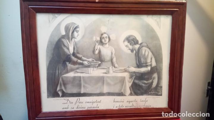 ANTIGUO CUADRO RELIGIOSO DE LÁMINA DE LA SAGRADA FAMILIA PARA VENDECIR LA MESA AÑOS 10-20 (Arte - Arte Religioso - Grabados)