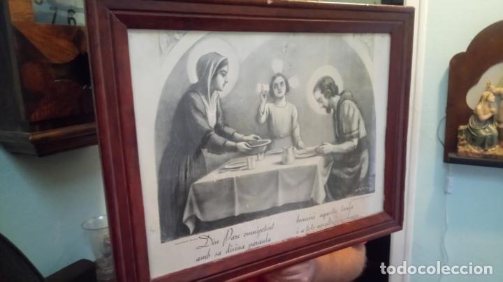 Arte: Antiguo cuadro religioso de lámina de la Sagrada Familia para vendecir la mesa años 10-20 - Foto 2 - 140950618