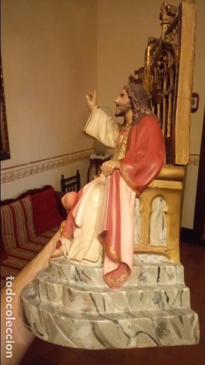 Arte: Antiguo Cristo Rey / Sagrado Corazón sentado en trono de escayola de los años 30-40 - Foto 6 - 158688808