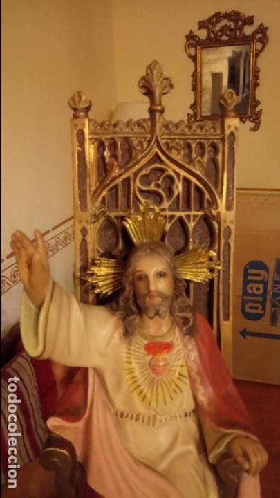 Arte: Antiguo Cristo Rey / Sagrado Corazón sentado en trono de escayola de los años 30-40 - Foto 8 - 158688808