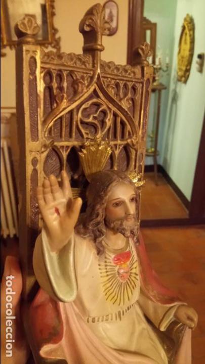 Arte: Antiguo Cristo Rey / Sagrado Corazón sentado en trono de escayola de los años 30-40 - Foto 9 - 158688808