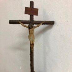 Arte: ANTIGUO CRISTO CRUCIFICADO Y CALVARIO ESCUELA OLOT - MEDIDA TOTAL CRUZ 53 CM - RELIGIOSO. Lote 142265266