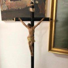 Arte: CRUCIFICADO TALLA MADERA HISPANO FILIPINO FINAL XVIII/PP XIX CON CANTONERAS HUESO E INRI PLATA. Lote 142270510