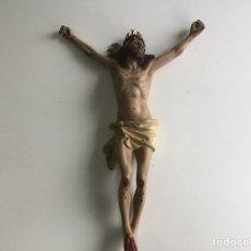 Arte: CRISTO CRUCIFICADO, AÑOS 40-50, OJOS DE CRISTAL .MEDIDAS 34 X 24 CM, ESCAYOLA. OLOT. Lote 142429564