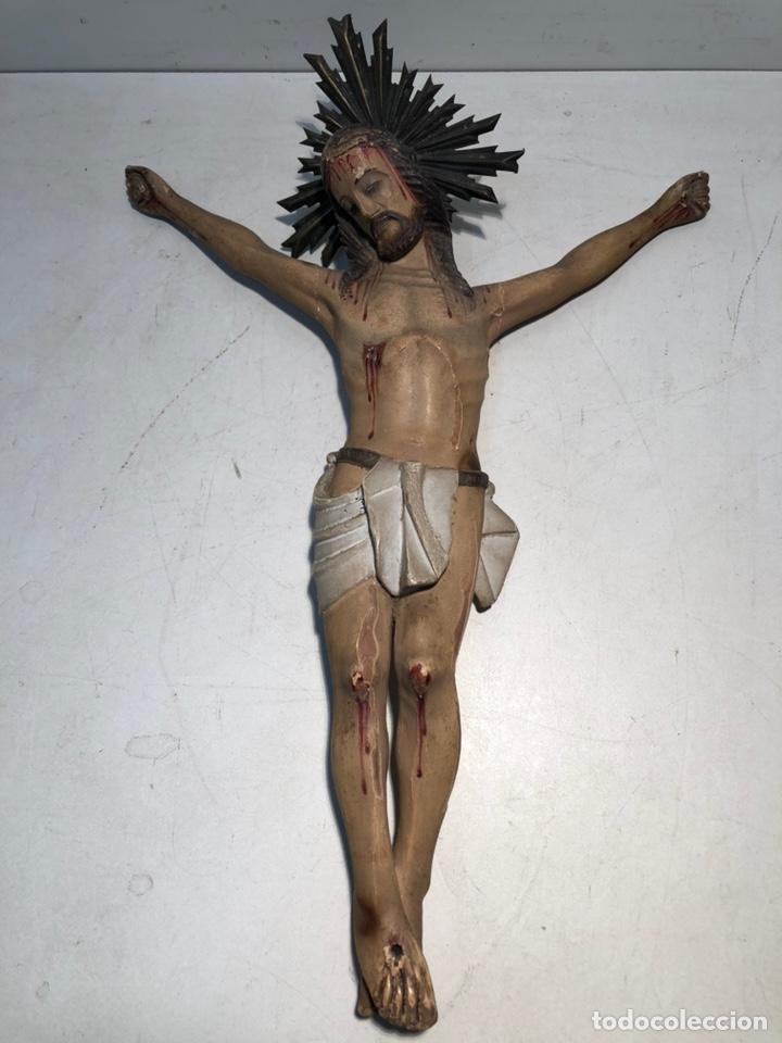 CRISTO DE TALLA DE MADERA ANTIGUO. SIGLO XIX. (Arte - Arte Religioso - Escultura)