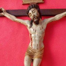 Arte: TALLA MADERA DE CRUCIFICADO, ESCUELA ESPAÑOLA S. XVI. LA CRUZ MIDE 40.5X28 CMS.. Lote 143005074