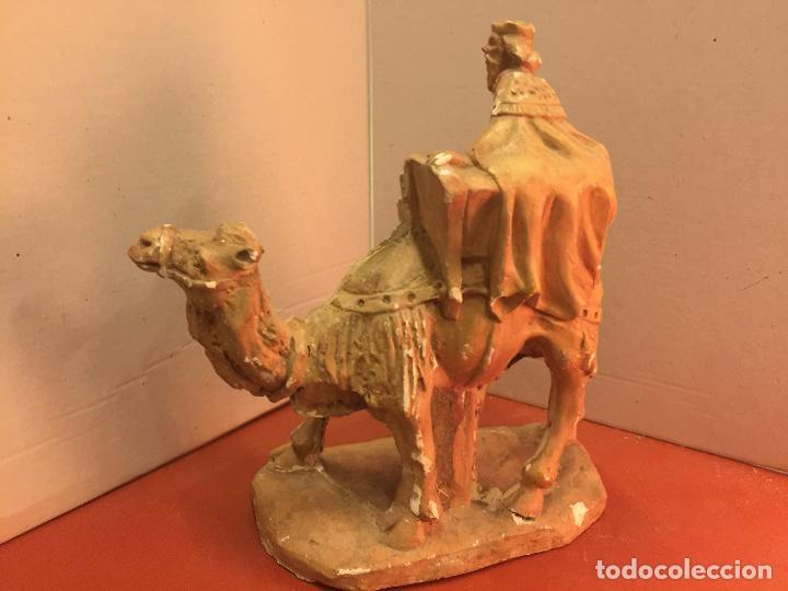 Arte: Preciosa imagen antigua en estuco de Rey mago a camello. Talleres de Olot. Leer mas... - Foto 2 - 143826210