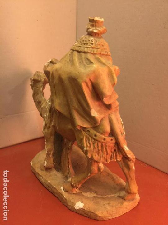 Arte: Preciosa imagen antigua en estuco de Rey mago a camello. Talleres de Olot. Leer mas... - Foto 4 - 143826210