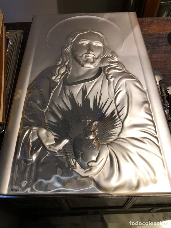 BONITO CUADRO CON UN SAGRADO CORAZÓN EN PLATA DE LEY (Arte - Arte Religioso - Pintura Religiosa - Otros)