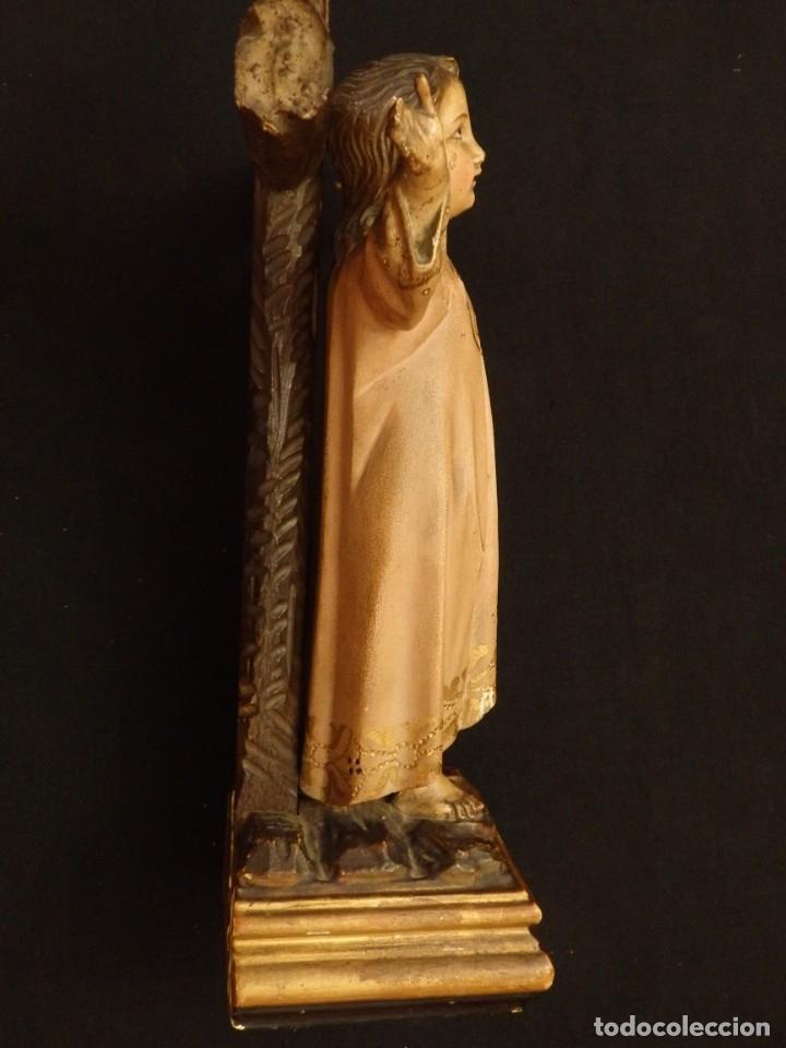 Arte: Niño Jesús en la cruz. Escultura de madera tallada y policromada. 35 cm. Hacia 1900. - Foto 10 - 146307534