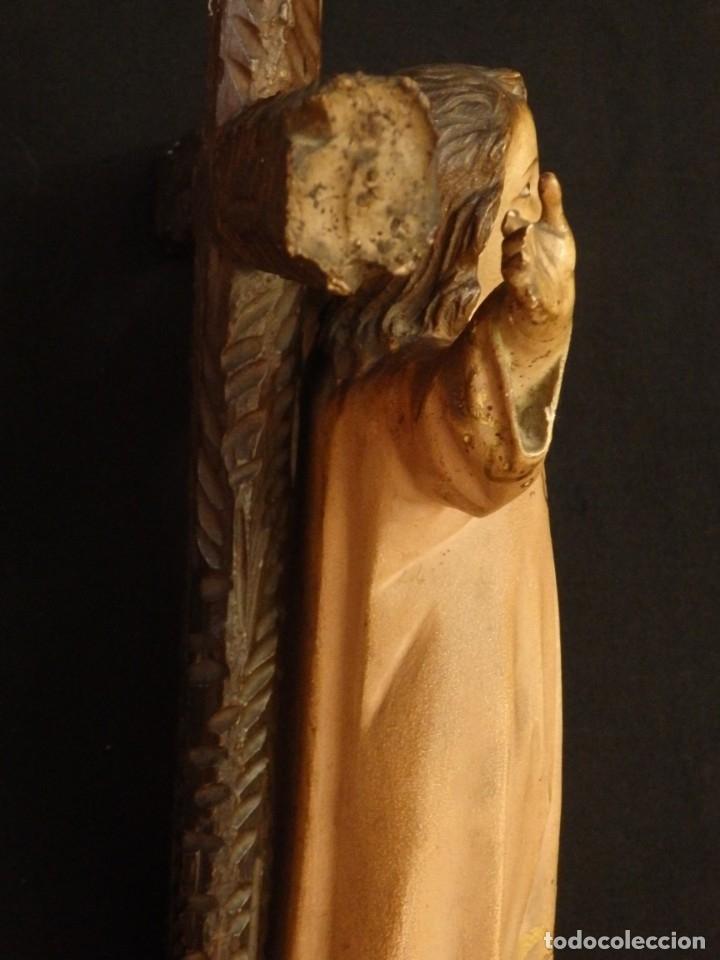Arte: Niño Jesús en la cruz. Escultura de madera tallada y policromada. 35 cm. Hacia 1900. - Foto 12 - 146307534