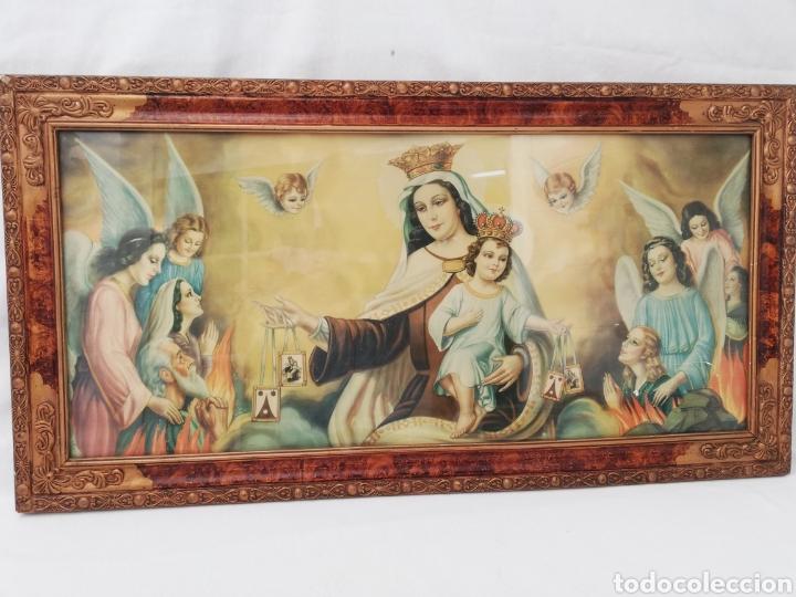 MARCO ANTIGUO DE MADERA Y ESTUCO CON LITOGRAFÍA DE LA VIRGEN DEL CARMEN. (Arte - Arte Religioso - Litografías)