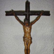 Arte: ANTIGUO CRISTO CON CALVARIO. TALLA DE MADERA. CALVARIO DE CEDRO. POLICROMIA DE EPOCA.. Lote 147076266