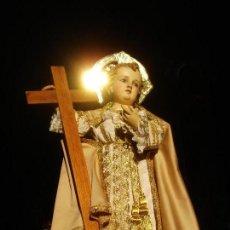 Arte: GRAN DIVINO REDENTOR NIÑO JESUS TALLA DE MADERA VESTIDERA ESCUELA ESPAÑOLA SXIX. Lote 147449374