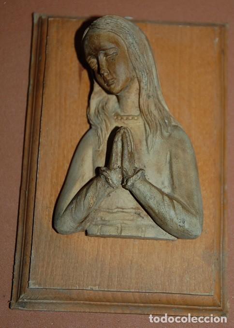 TALLA DE MADERA VIRGEN NIÑA SIGLO XX (Arte - Arte Religioso - Escultura)