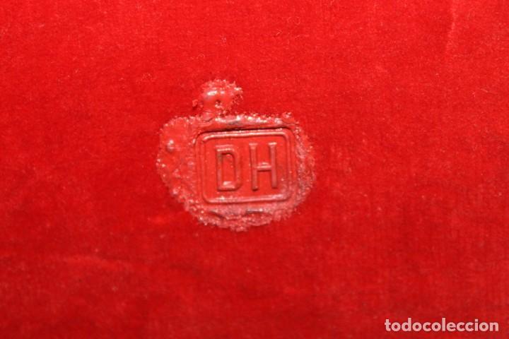 Arte: ICONO RUSO CON SANTOS ORTODOXOS - ESTAÑO REPUJADO SOBRE MADERA - SELLO LACRE INICIALES DH - H.1940 - Foto 11 - 148613630