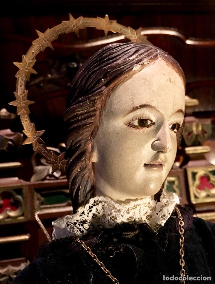 Arte: Virgen articulada cap i pota en trono; madera del S.XIX - Foto 2 - 149891366