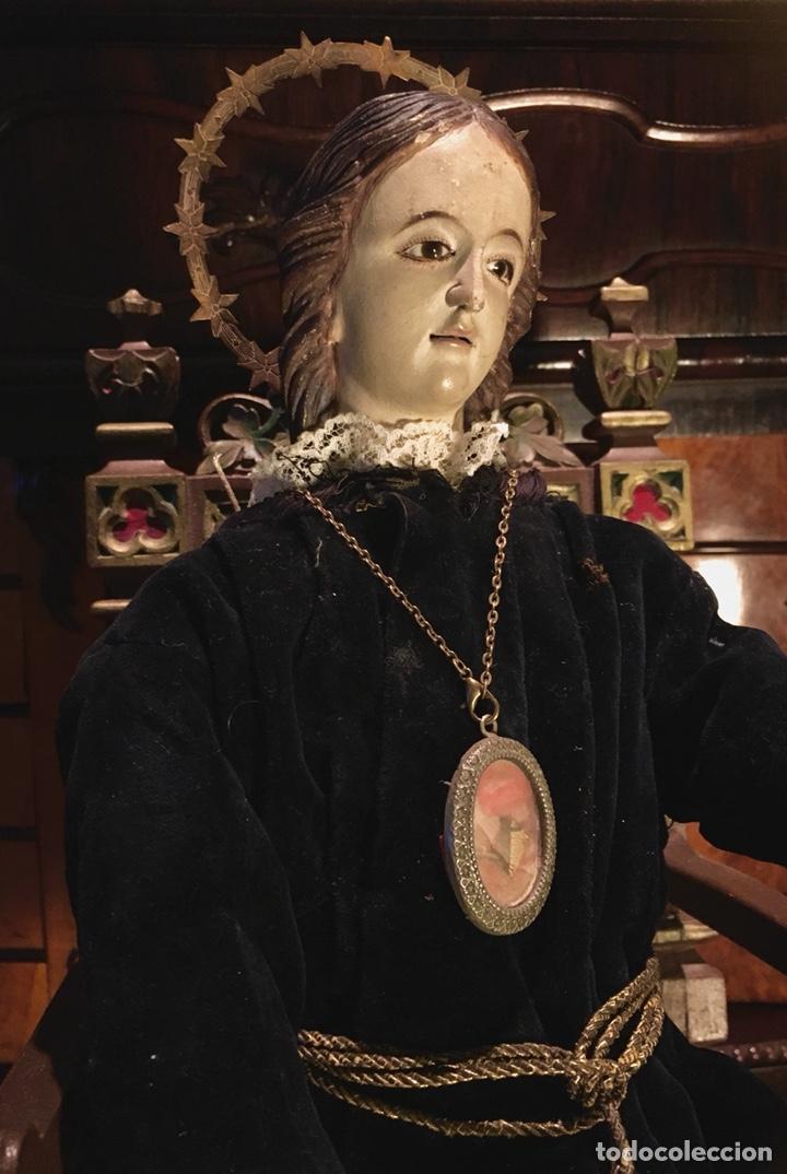 Arte: Virgen articulada cap i pota en trono; madera del S.XIX - Foto 3 - 149891366
